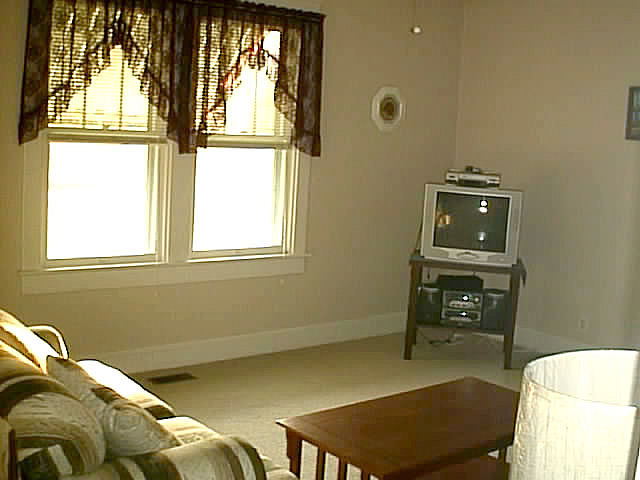 Living_room_before_2